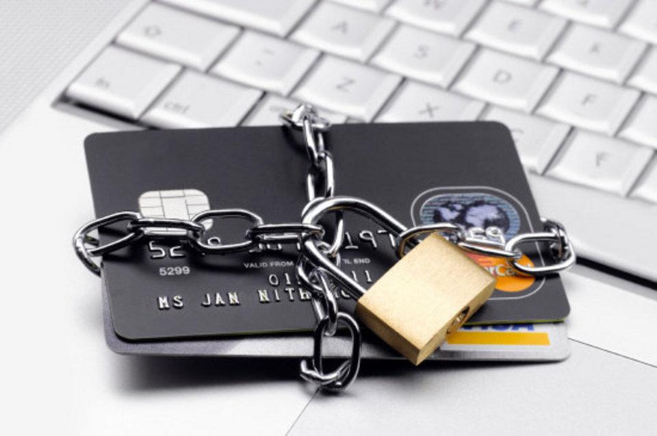 Как вернуть деньги, переведенные на карту мошенника: по шагам